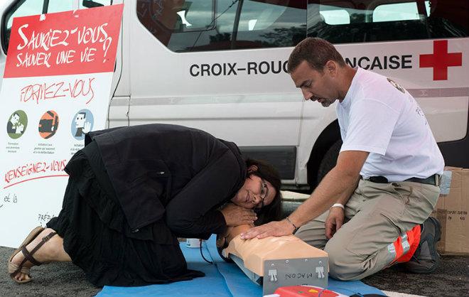 premiers secours croix rouge