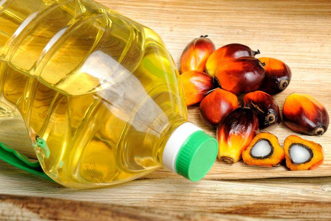 huile palme bouteille