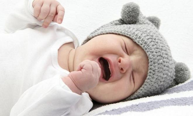 laisser bebe pleurer