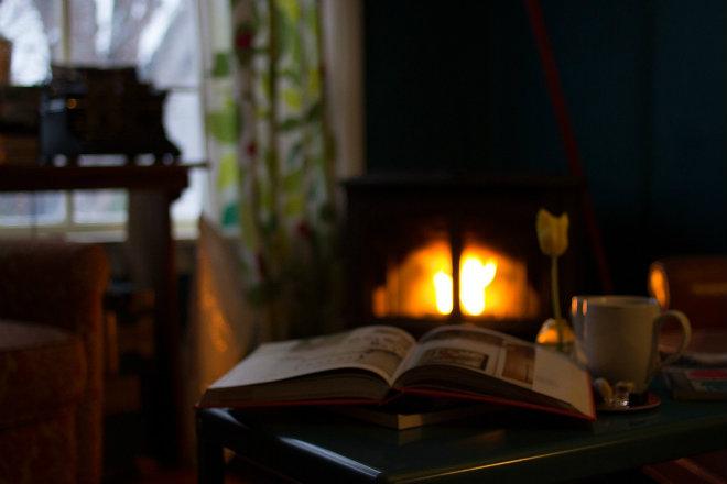 nettoyer cendres cheminee avec marc de café