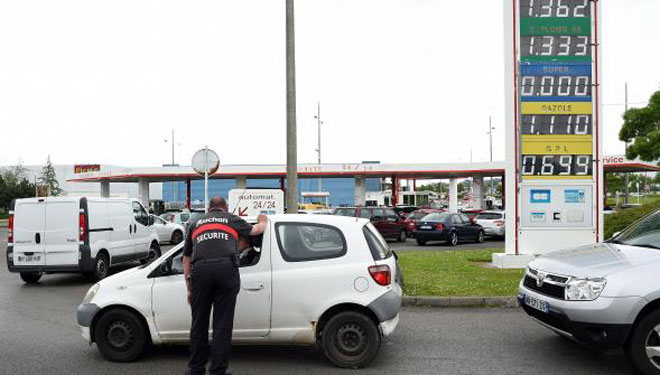 penurie de carburant montee des prix