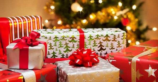 plusieurs milliers de cadeaux de no l d j en revente sur internet. Black Bedroom Furniture Sets. Home Design Ideas